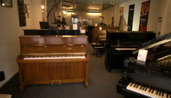 Kick Music Pianowinkel Showroom kleiner