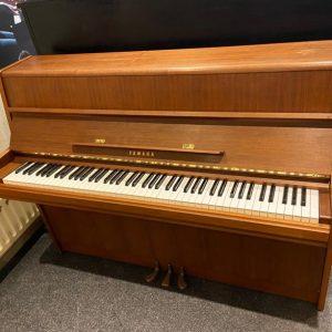 Yamaha 108 CM Piano