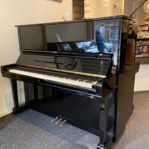 Yamaha U-3 piano 1977