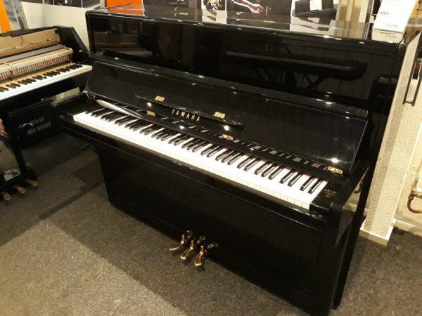 Yamaha P1 piano zwart hoogglans
